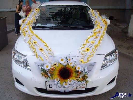 تزیین ساده ماشین عروس با گل و تور