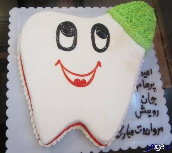 کیک زیبا با طرج دندون