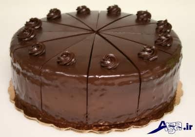 تزیین کیک شکلاتی با روکش شکلاتی