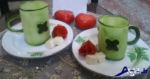 تزیین کردن خیار و گوجه برای صبحانه