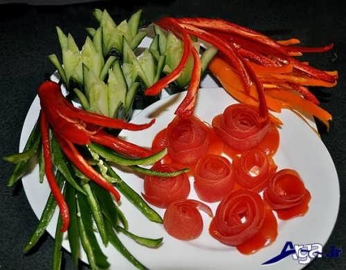 تزیین گوجه و خیار به شکل گل