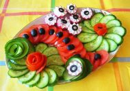 تزیین خیار و گوجه با زیباترین ایده ها