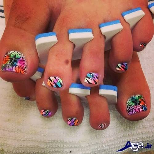 طراحی روی ناخن پا