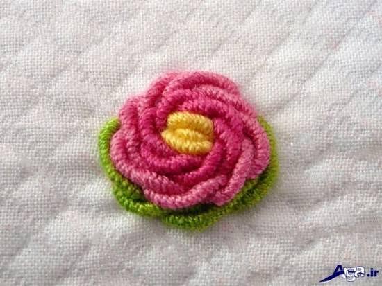 دوخت گل رز زیبا بر روی لباس