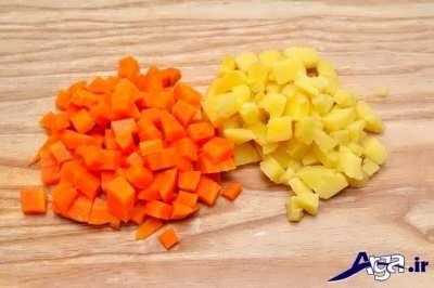 خرد کردن سیب زمینی و هویج پخته