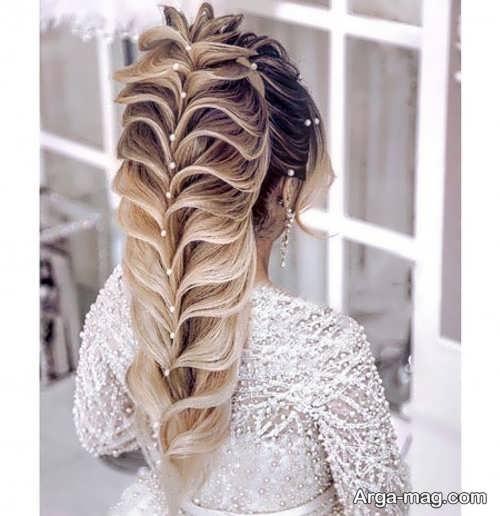 مدلی زیبا از مو های نیمه باز