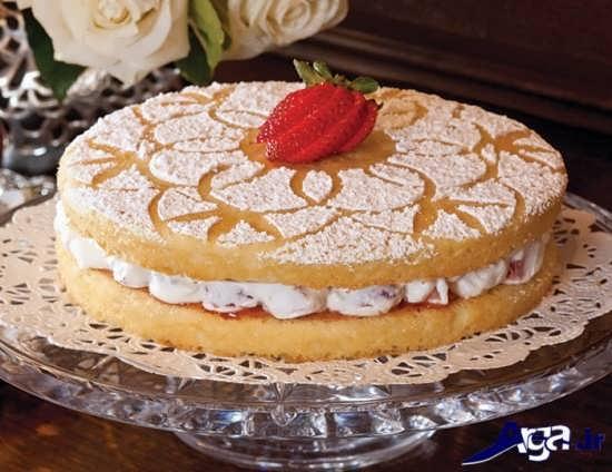تزیین ساده و جذاب کیک