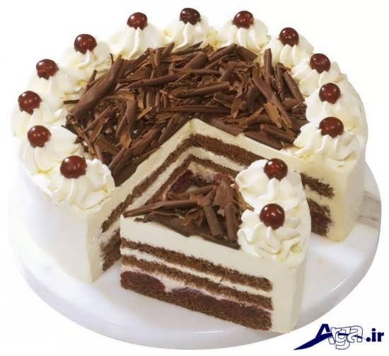 تزیین کیک با شکلات و خامه