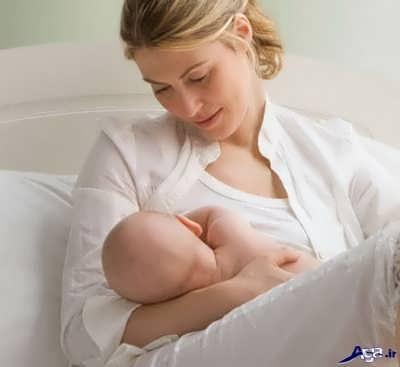 تغذیه نوزاد یک روزه با شیر