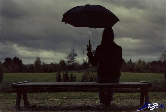 عکس های غم انگیز و عاشقانه در زیر باران