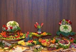 تزیین میوه روی میز برای مهمانی های مختلف