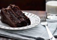 طرز تهیه کیک خیس شکلاتی به همراه نکات طلایی