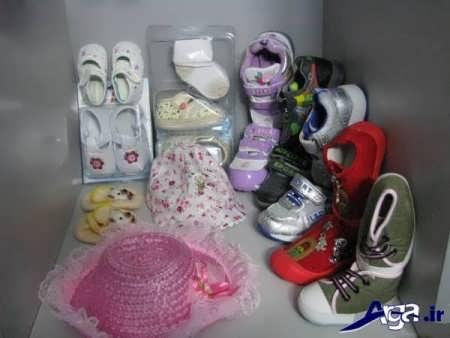 چیدمان کفش های نوزاد دختر و پسر