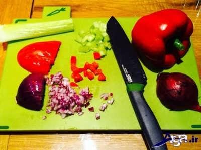 خرد کردن گوجه و پیاز