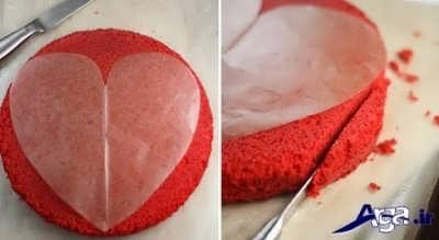 برش زدن کیک مخملی به شکل قلب