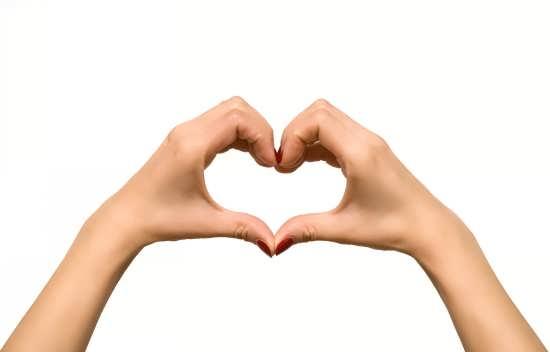 عکس قلب با دست برای پروفایل