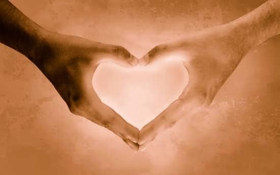 جدیدترین و زیباترین عکس قلب با دست