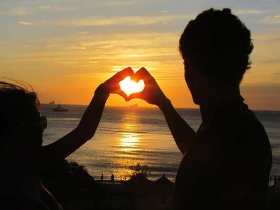 عکس های زیبا و جذاب قلب با دست