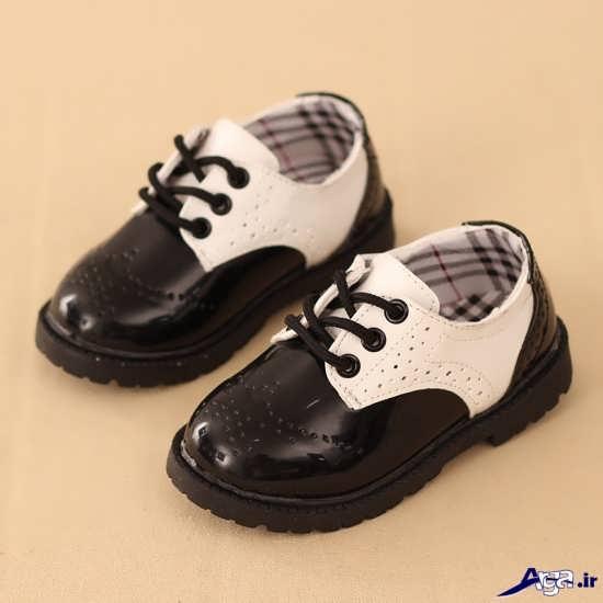 کفش پسرانه بچه گانه شیک و دوست داشتنی با انواع طرح های اسپرت و مجلسیزیباترین کفش مجلسی پسرانه بچگانه