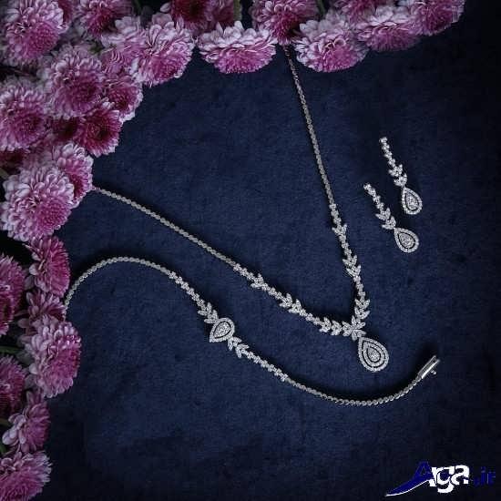 سرویس های زیبای طلا و جواهرات