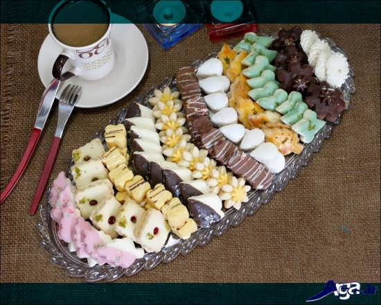 تزیین شیرینی در دیس