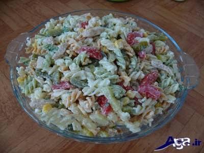 طرز تهیه سالاد ماکارونی با استفاده از گوشت مرغ