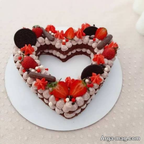 تزیینات رمانتیک کیک سالگرد ازدواج