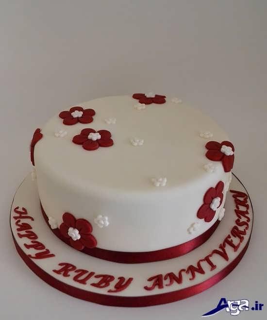 تزیین زیبا و ساده کیک سالگرد ازدواج