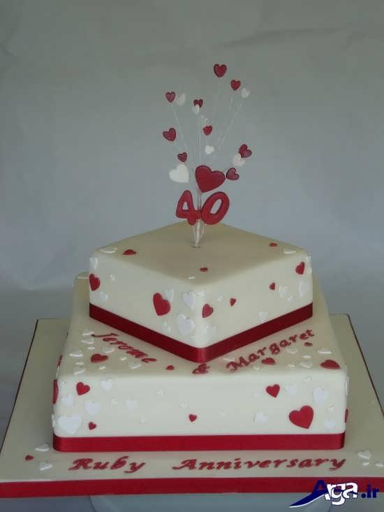 تزیین کیک دو طبقه برای سالگرد ازدواج