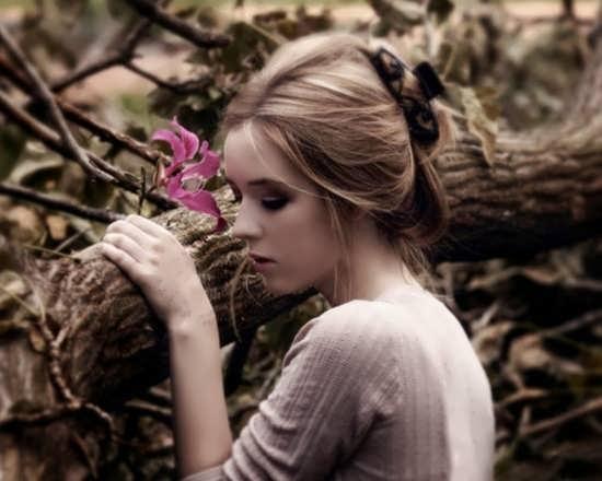 عکس غمگین دختر تنها