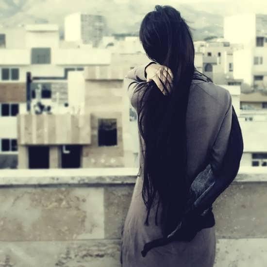 تصاویر دختر تنها و غمگین برای پروفایل