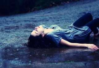 عکس تنهایی دخترانه غمگین