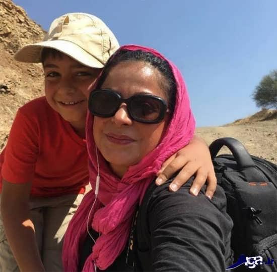 سیما تیرانداز و پسرش در کوه