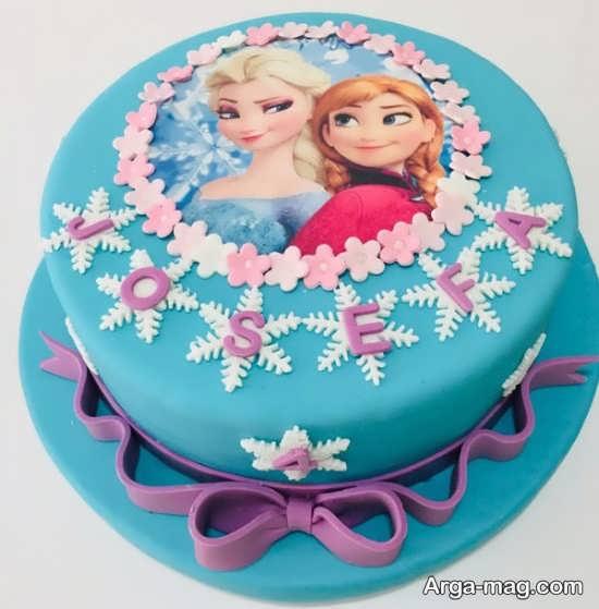 کیک تولد دخترانه با طرح کارتونی