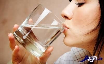 نوشیدن آب کافی برای لاغر شدن صورت