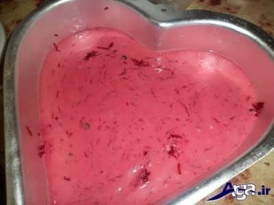 ریختن مایع کیک در قابل فر