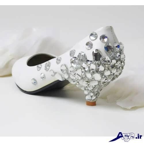 مدل کفش عروس کار شده با سنگ تزیینی