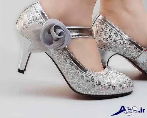 مدل کفش عروس نقره ای با طرح شیک و زیبا