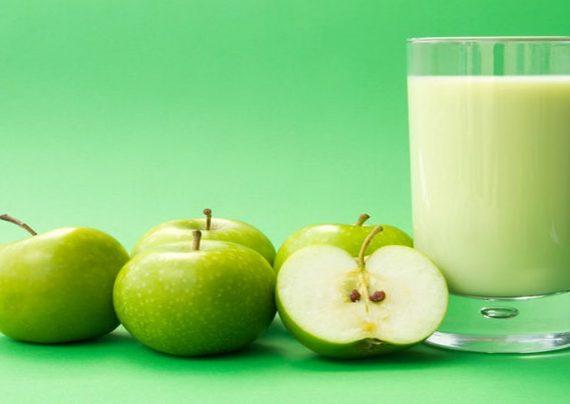 نوشیدن آب سیب سبز