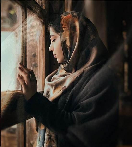 عکس دختر عاشق و زیبا