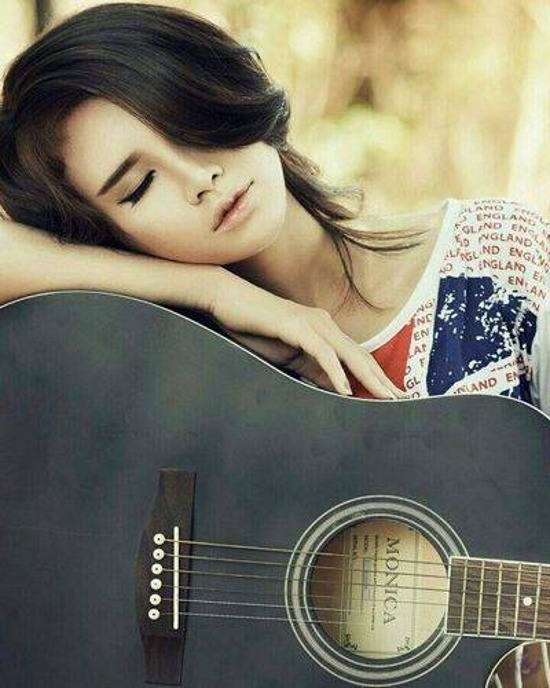 عکس دختر زیبا و عاشق برای پروفایل