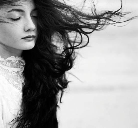 عکس دختر سیاه و سفید