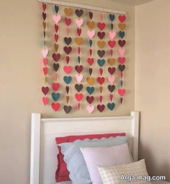 تزیینات متفاوت دیوار با کاغذهای رنگی