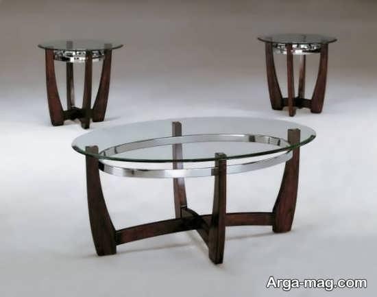 مدلی از میز جلو مبلی