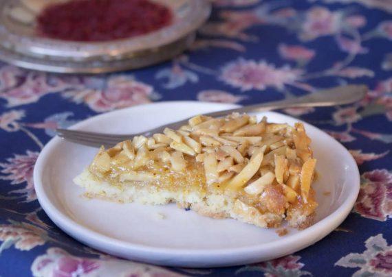 طرز تهیه شیرینی ملکه بادام