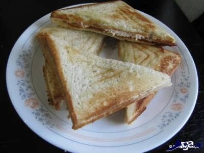 اسنک مرغ با نان تست
