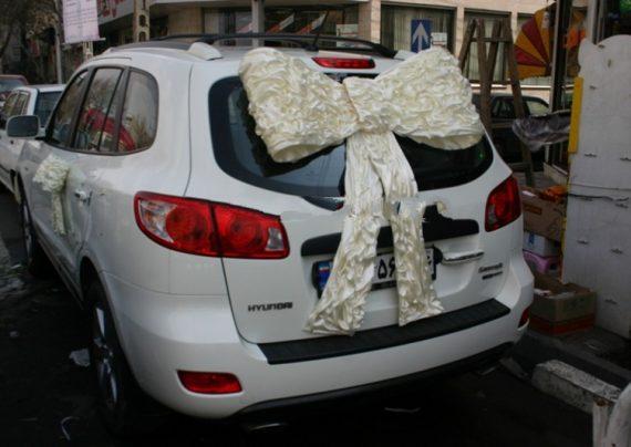 عکس تزیین ماشین عروس با پاپیون