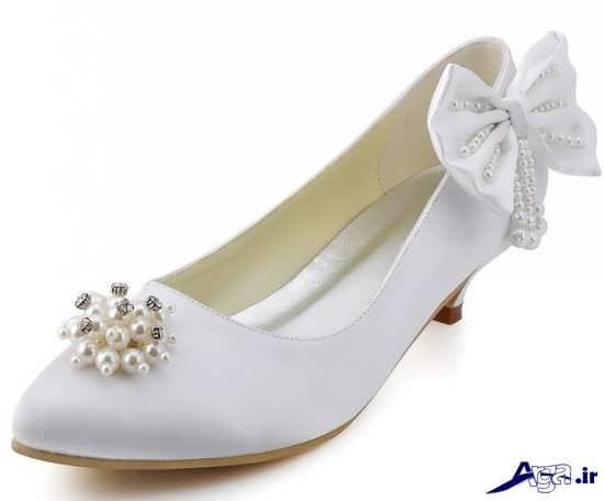 تزیین ساده کفش عروس