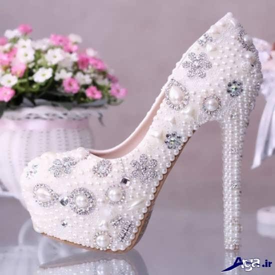 تزیین زیبای کفش عروس