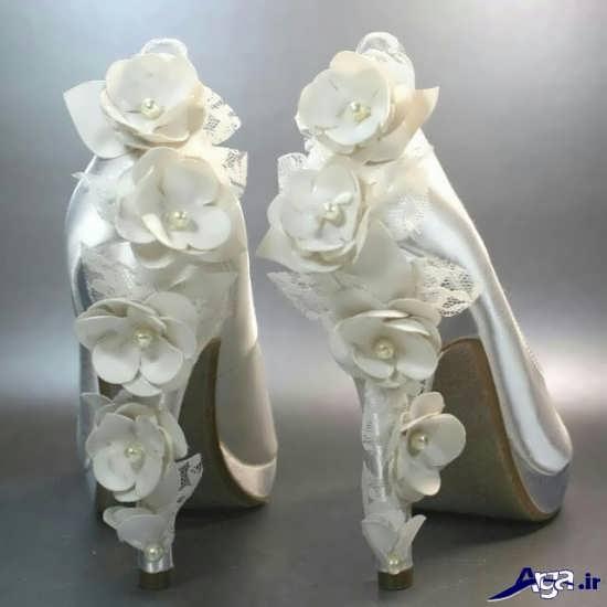 تزیین کفش های عروس با گل